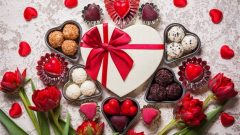 thumb2-valentines-day-gifts-chocolates-red-heart